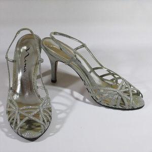 Womens Nina Size 9 1/2 Silver Glitter Heels